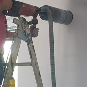 Gaurire perete pentru ventilatie